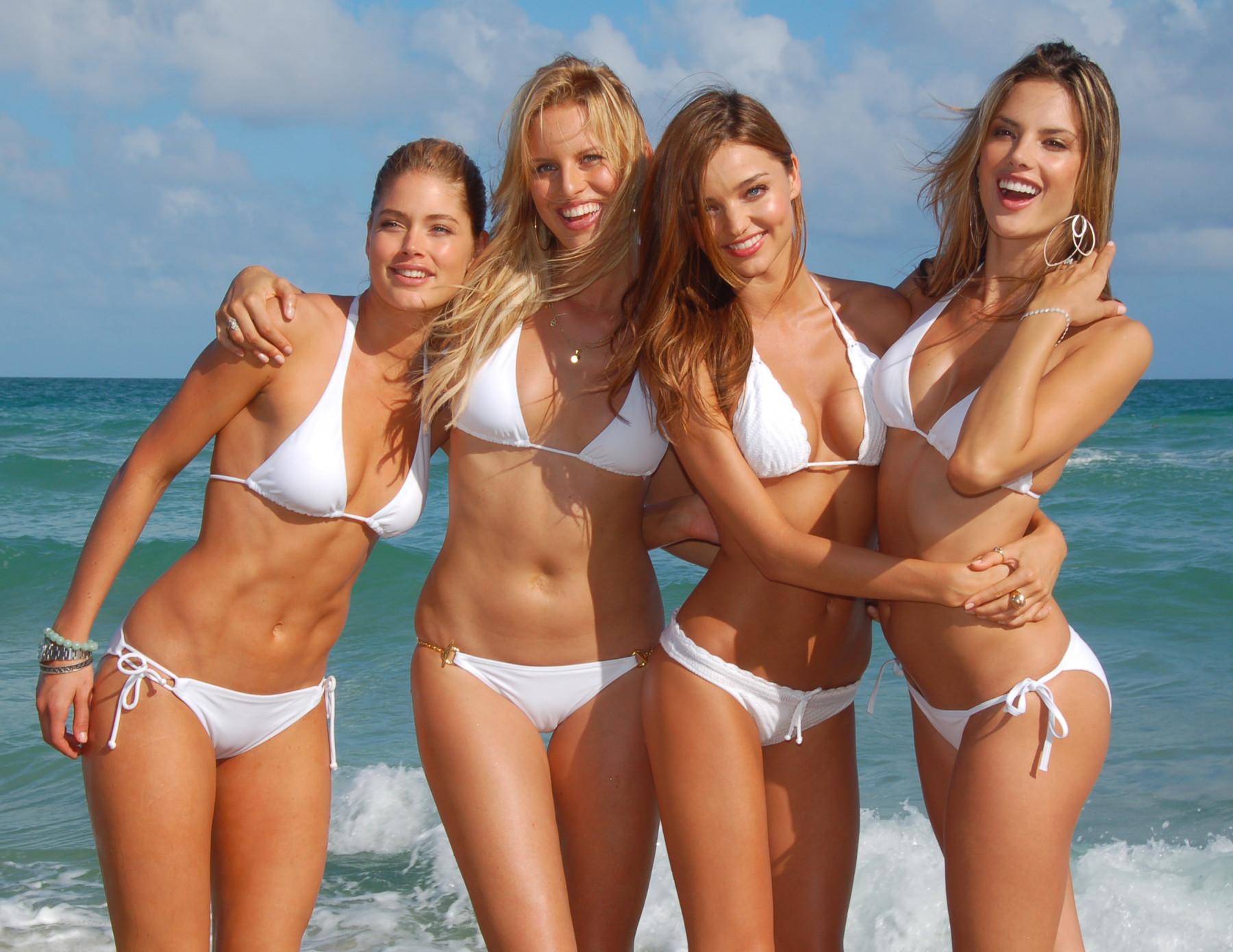 Венгерские девушки на пляжах фото